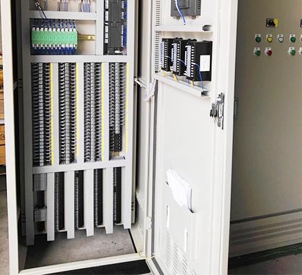 尾水输送PLC控制柜