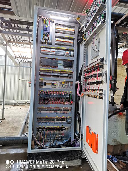水处理项目PLC控制柜内部图