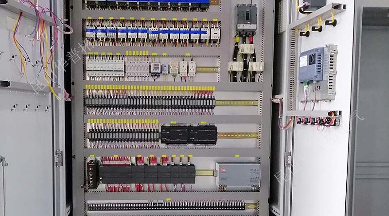 PLC柜内元器件实拍