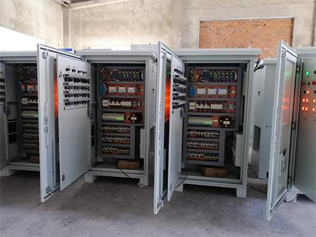 无锡智能设备plc自控系统柜通电测试中