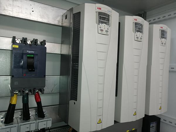 苏州中来网络扩线工程37KW变频器起动柜