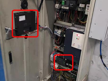 电气柜升级改造增加了触摸屏