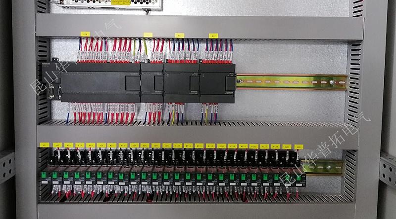 PLC控制柜细节图