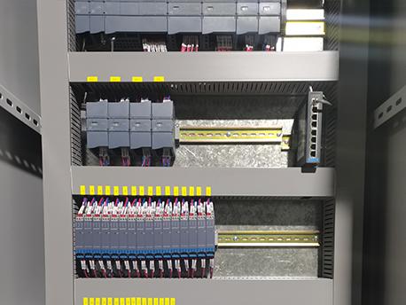 青岛院士港加氢站设备plc柜内分布