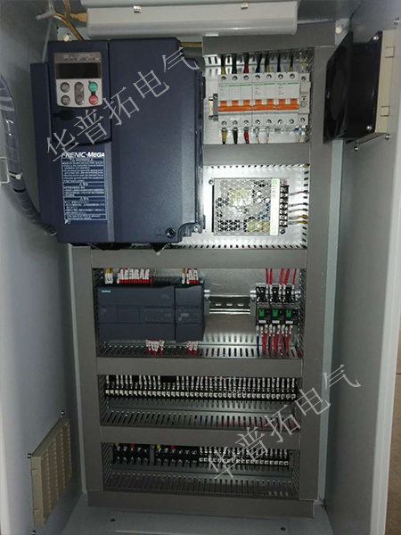 波纹机plc控制柜内布局