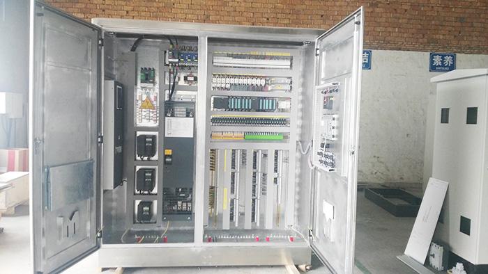 低压控制柜探讨低压电器在石化行业中的应用!